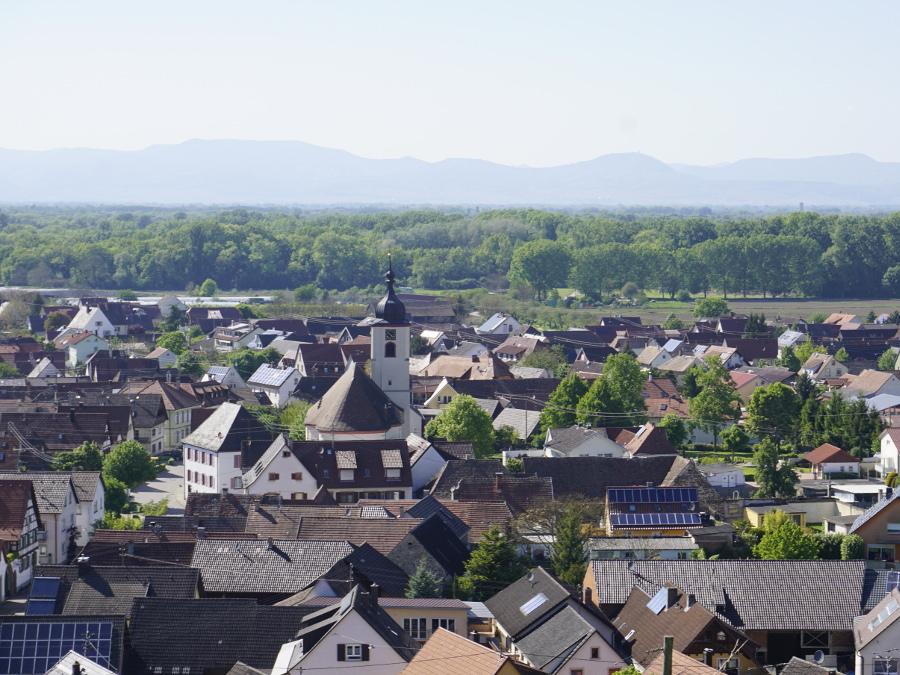 Heldes Ferienwohnungen - Blick vom Rebberg auf Jechtingen